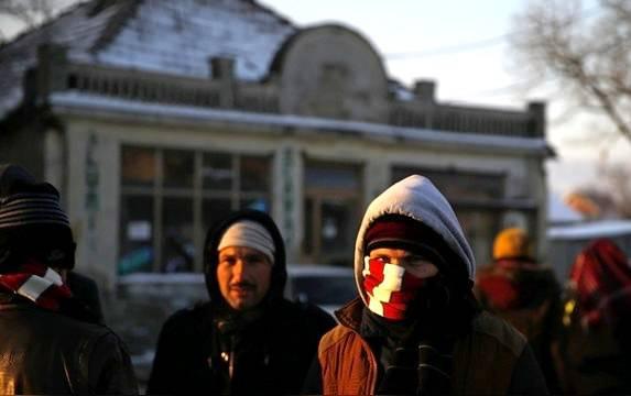 DC: Россияне популярно объяснили беженцам, что Мурманск - это не Кёльн
