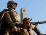 На антироссийскую акцию Польши реагировать жёстко